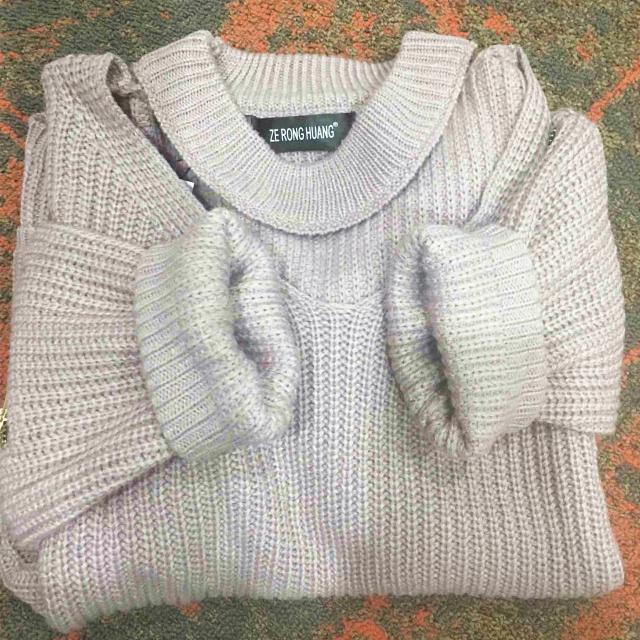 #wintermusthave Finally receive it! I have seen many fashion blogers wear this! Beacuse it\'s not ordinary sweater, the
