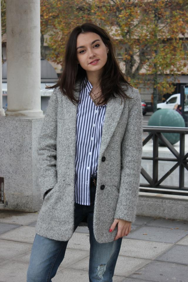 Hi dears! What do you think about my blouse? I think that it\'s simply wonderful!  You can fin it here, in Zaful!