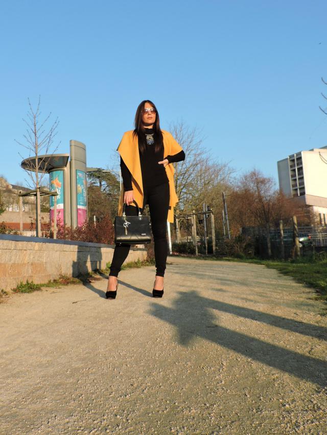 #zmesday00 me encanta este chaleco! hoy he decidido combinarlo con un total look black para resaltar su color os