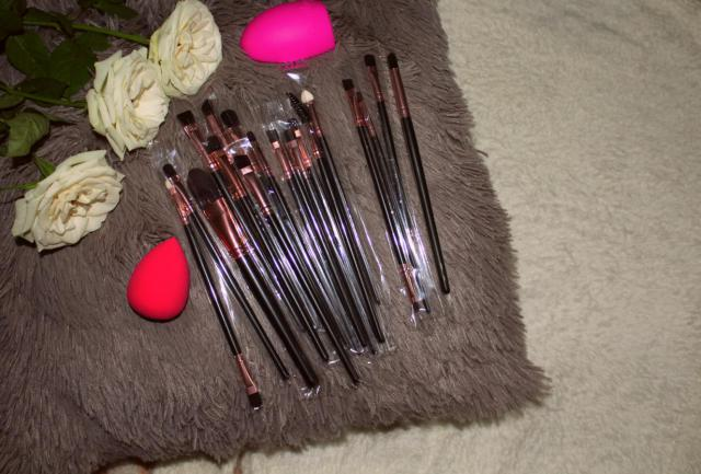 #zmesday00 #zaful Makeup Brushes Set. Extremely soft and pleasant to use! :)