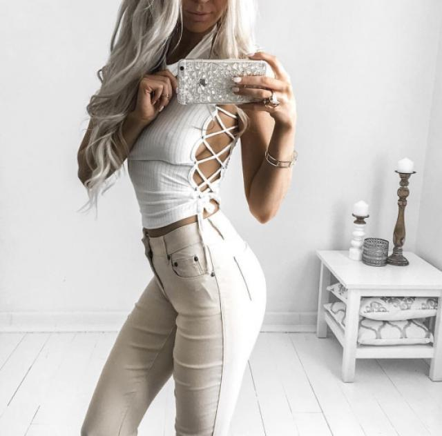 White crop top is perfect for a night out!