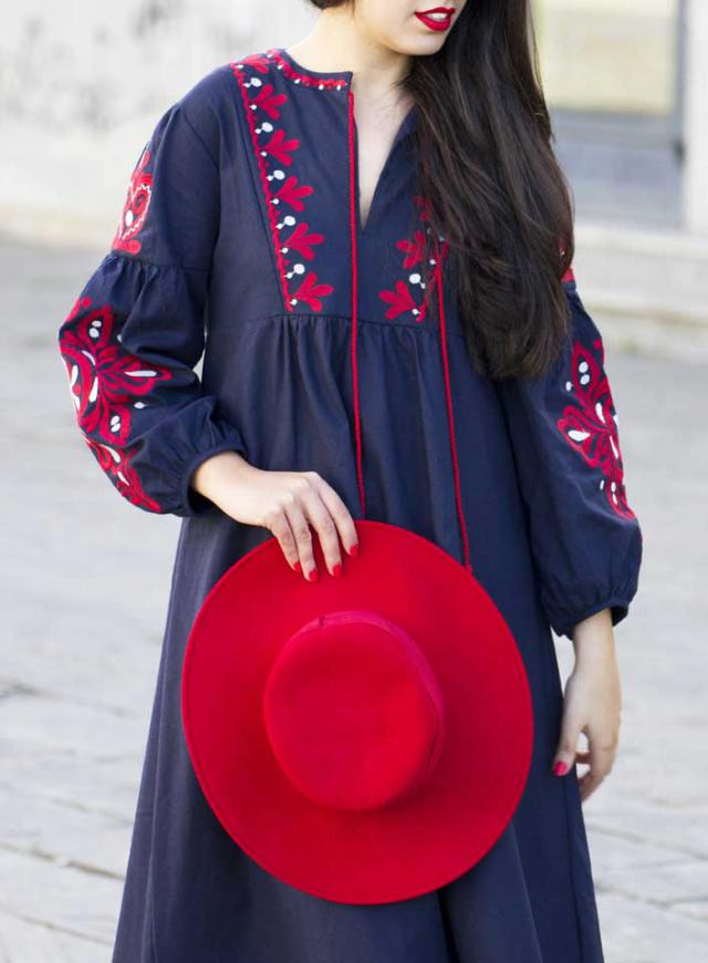Super chic and trendy embroidered dress that I\'m in love with!