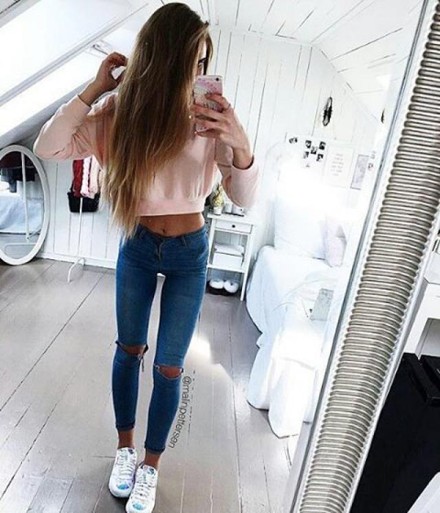 You can never go wrong with a pair of ripped jeans!