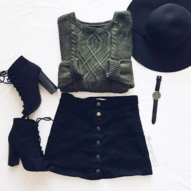 #zmesday00 Omg!! this outfit is so cute love the skirt