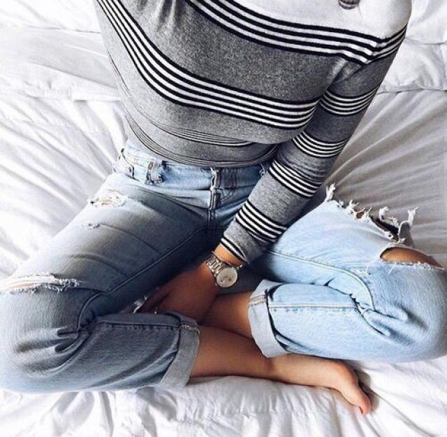 Ripped jeans ca make any outfit look better