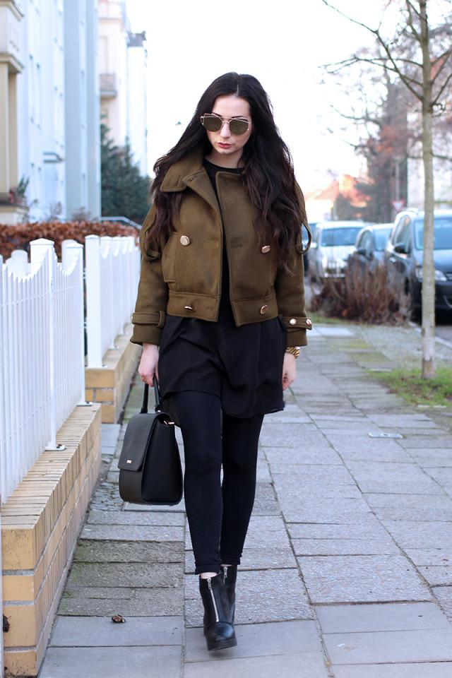 Loving this gorgeous khaki cropped coat from Zaful! <3 More looks on my Blog www.fashion-confession.com