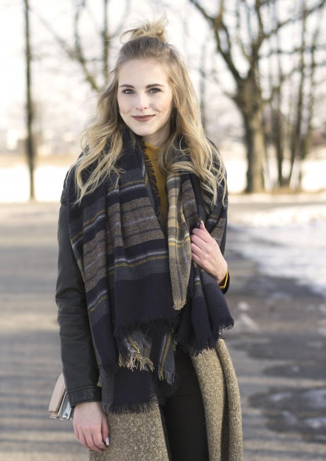 New outfit with Zaful scarf in few hours online!! www.blondsite.cz