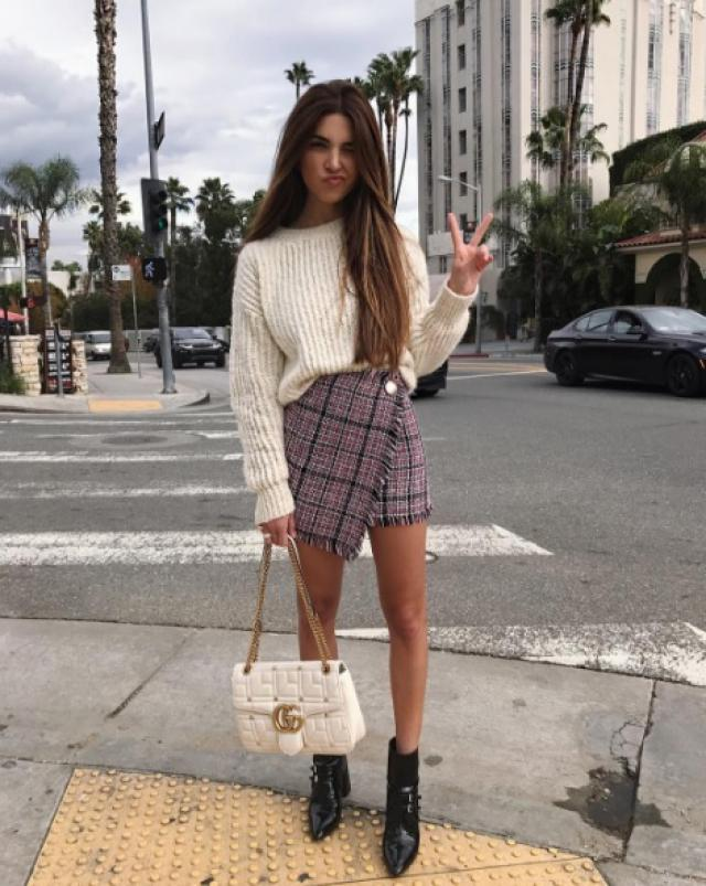 White chunky sweaters are so sexy!