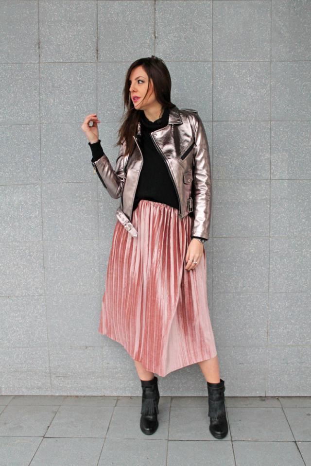 #zmesday00 #bikerjacket #pleatedskirt #midiskirt #skirt #pinkskirt #velvetskirt #velvet #silver #leatherjacket #leather