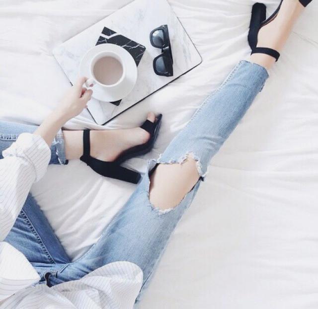 Morning coffee in bed! #ootd #coffee #jeans #heels #zafulhits #vdaylook2017
