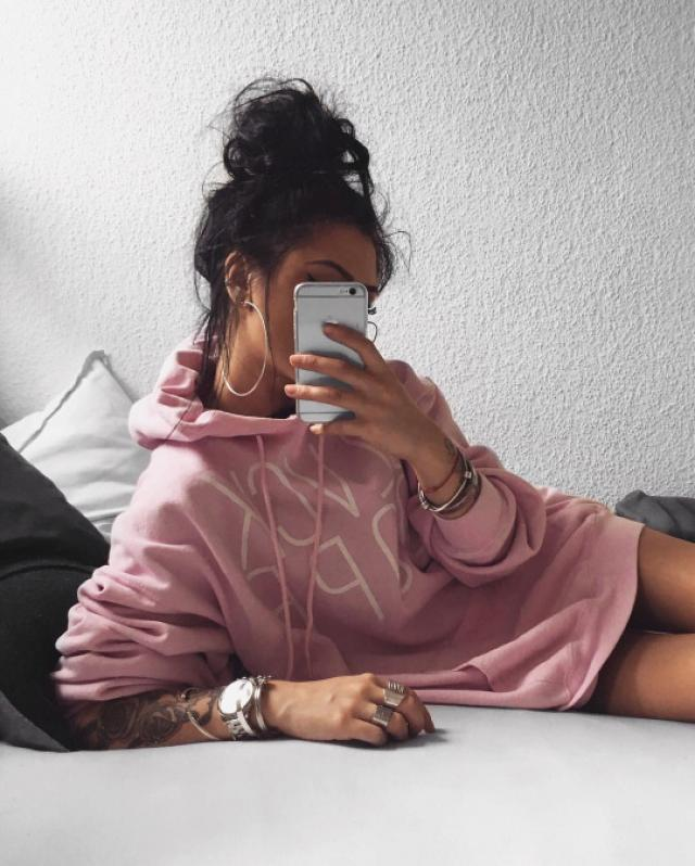 I love this pink sweater♥ #sweater #baddie #pink #pinksweater #hoodie #sexy #hot