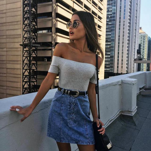 OMG!! this off shoulder top its so perfect! ♥#offshoulder #hot #sexy #summer #spring #model