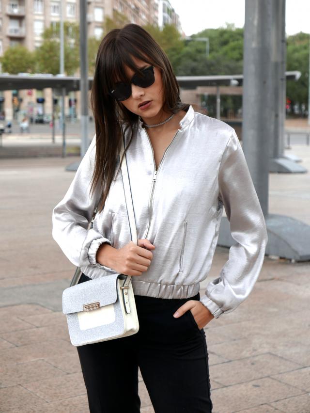 Beautiful silver jacket with a shiny bag www.parotise.com