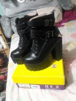 Double Buckle Platform Zipper Short Boots Reviews