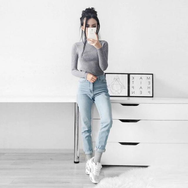 simple outfit for every day #loveselfie #outfit #jeans #sweater