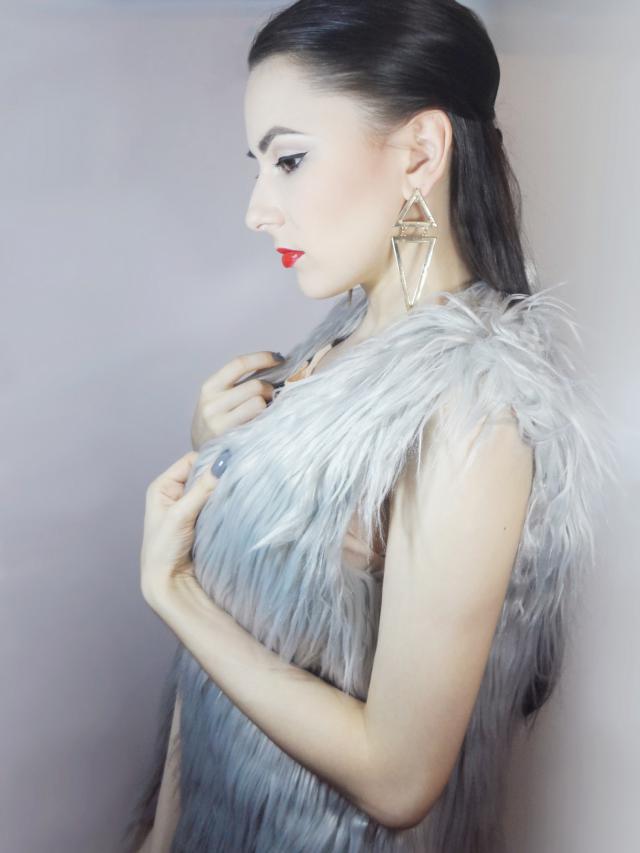 Faux Fur Vest makes any casual outfit better! #spring #ttil #mfzi #loveselfie #travel207 #fotd