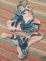 Lace-Up Tropical Print Bikini Set Reviews