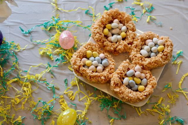Yummy treats and simple treats for Easter!