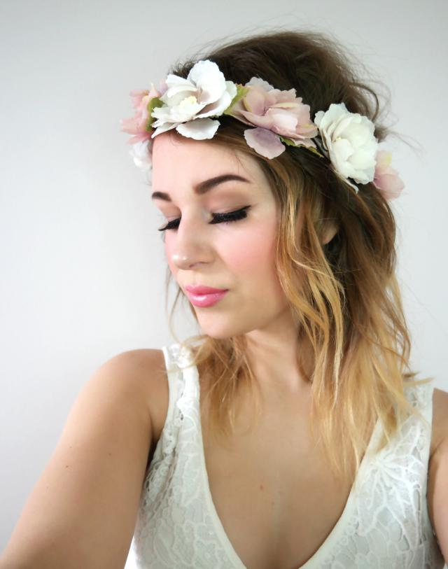 This spring inspired look I tried today. Works good as a everyday look but also for a wedding. #gotolook