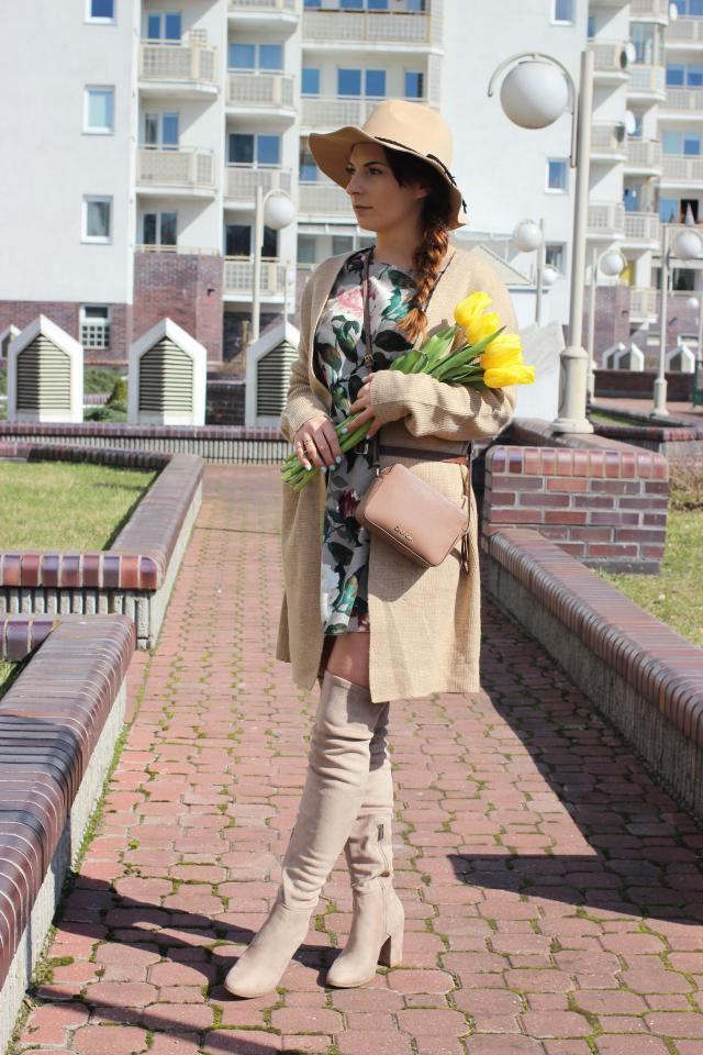 Hello spring <3   dress - http://www.zaful.com/floral-long-sleeve-linen-blouse-dress-p_229217html.?lkid=17472