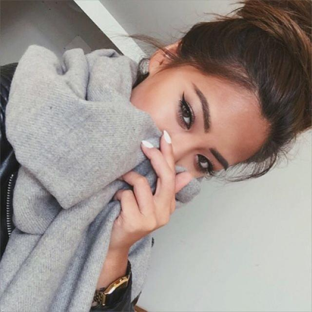 #TTIL I love this gray scarf, it\'s perfect for autumn and winter!♥♥♥ #loveselfie #autumn #winter #cold #scarf