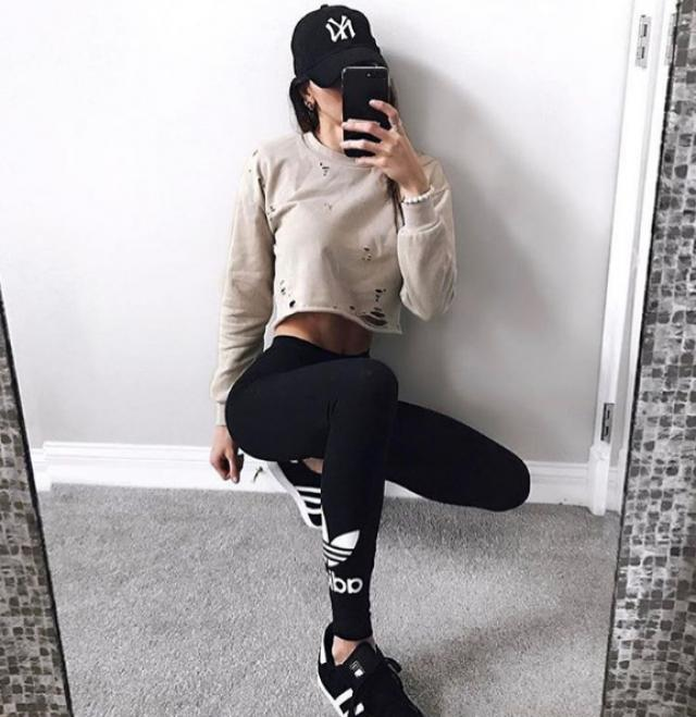 Love this chic and comfortable outfit.