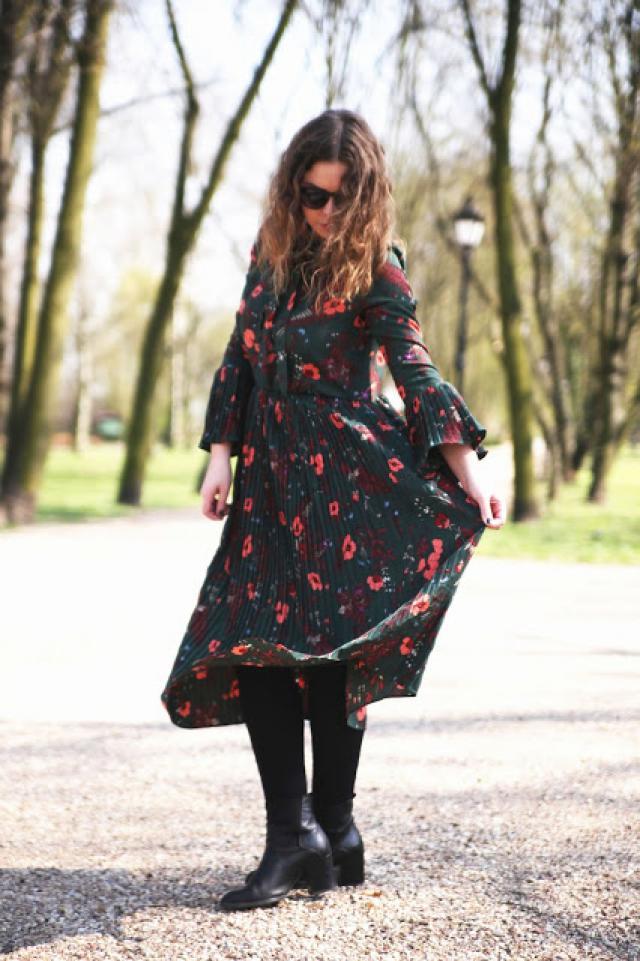 Love this dress :) Come on my blog :)   http://madziarebowiecka.blogspot.com/