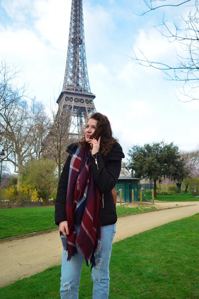 I love this scarf, it was my salvation on my trip to Paris. Full Review on my blog: https://goo.gl/11ECQs  xoxo