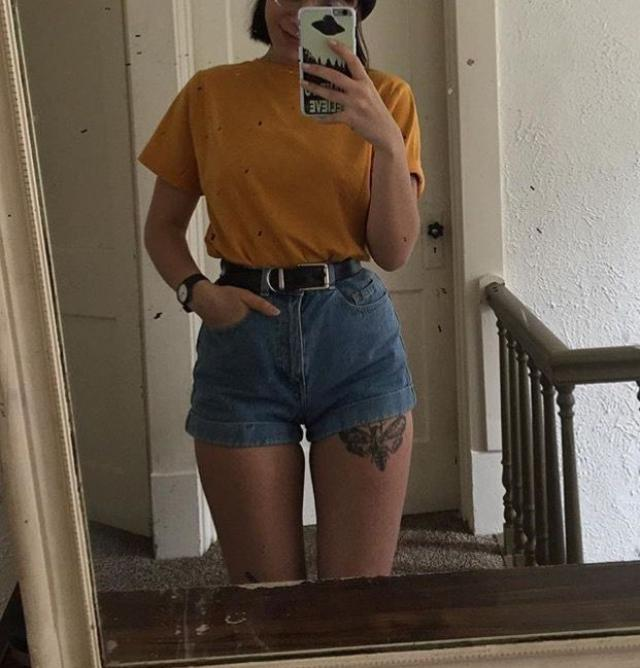 high waisted shorts+ cozy t-shirt=comfortable outfit