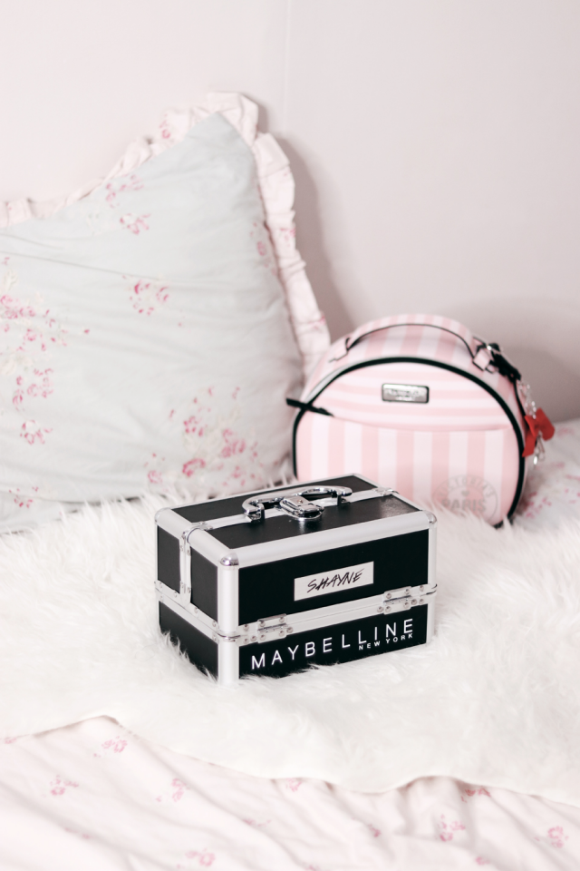 Cute makeup train case I received for being a part of the Maybelline Squad PH  ♥