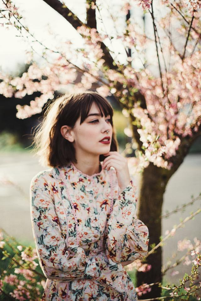 Hey, girls. Have you checked our latest April LOOKBOOK yet?   Check the 【We Love FLORAL】LOOKBOOK (Find on Home