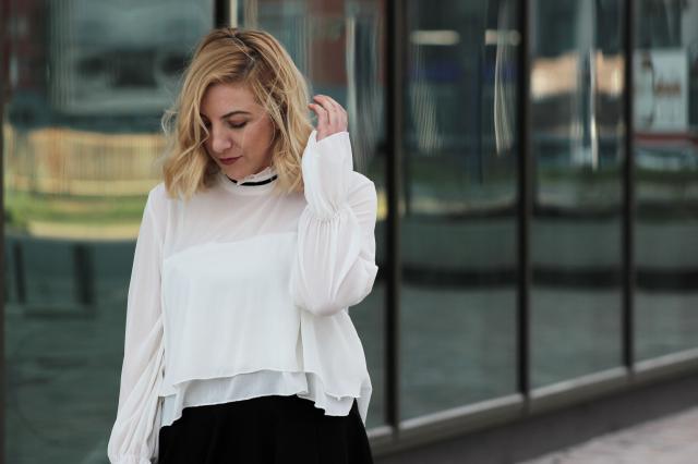 White blouse Check the post: https://theninebyivana.blogspot.com/2017/04/white-denim-jacket.html