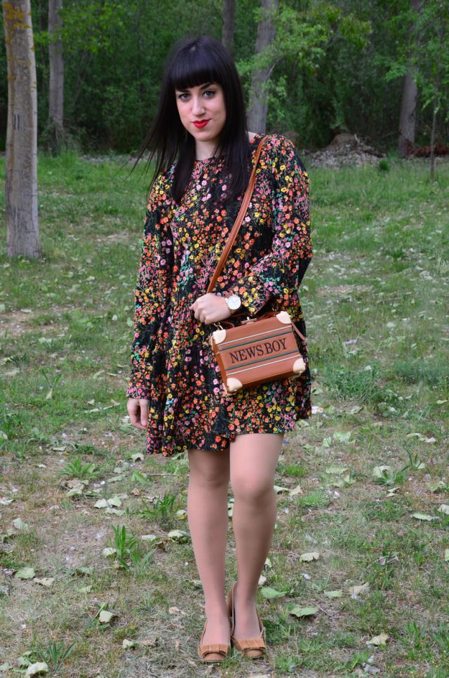 #coachella2017 #springbreak2017 #zafulhits #outfit #ootd #spring #romper #boxbag #trunk #chest #baul #floral #vintage