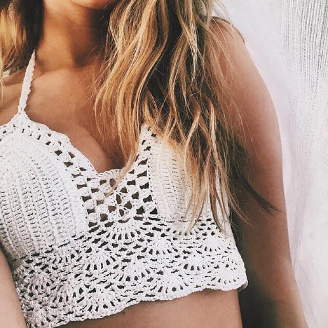 This crochet crop top it\'s perfect for this summer!!! do you like it? please let me know in the