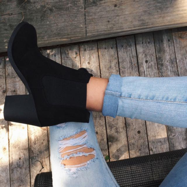 This black boots are perfect for every season! do you like it? please let me know in the comments!