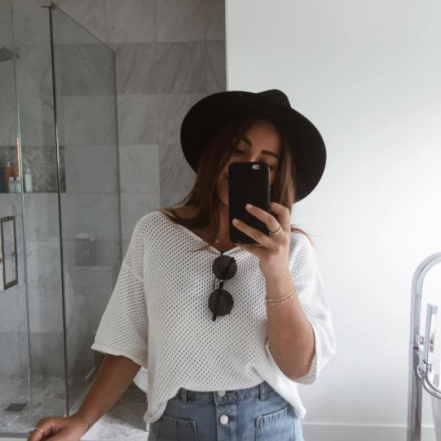 Black hat #blackhat #hat #tumblr #baddies #models #summer #indie #boho #coachella #spring #dressforidol #nailart