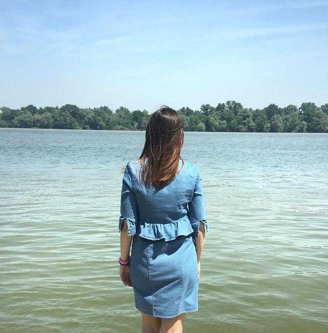 Into the blue with sweet denim dress #denimlove #gotolook #springbreak2017