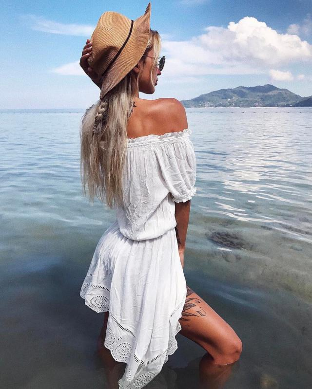 Off-the-shoulder dresses are the perfect combination of sweet and sexy, and they\'re just the things to wear to