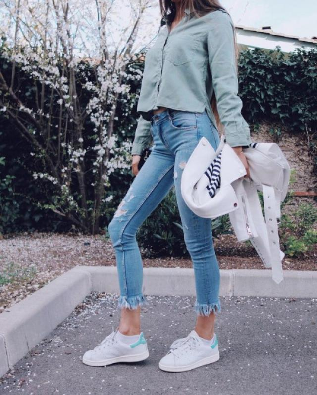 Sneakers look good with any casual outfit and your color choice and how you care for them will have a big impact on whe…
