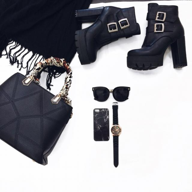#dressforidol #shoeslover #springbreak2017 #denimlove #flatlay #gotolook #loveselfie #3anniv