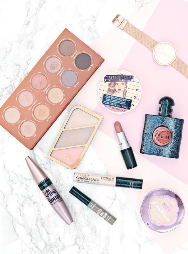 #flatlay #gotolook #love #beautyblogger_de #beautiful #cute #blogger #beautyblogger #beauty #makeup #liliesbeauty