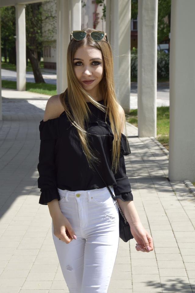 More on: www.joanneaa.pl #summervibes #polishgirl #blogger #blackandwhite #look