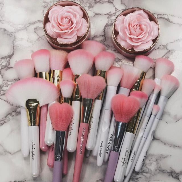 i fall in love with these brushes #makeup