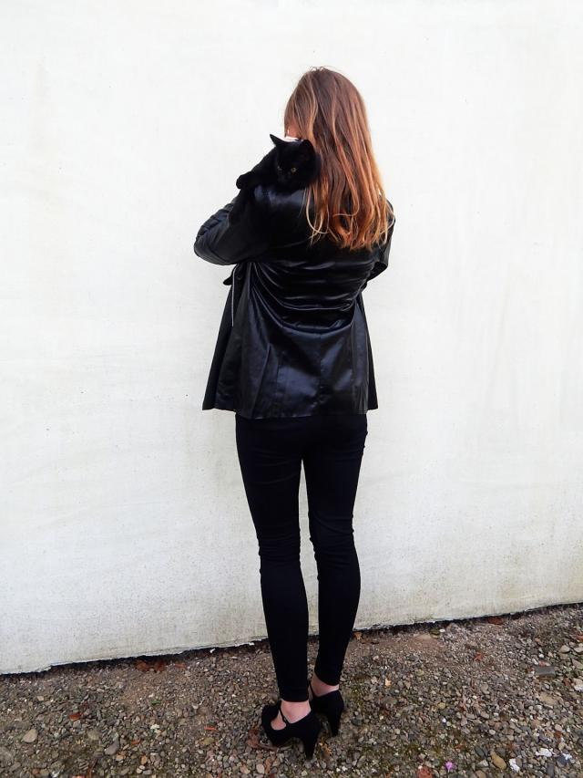 lady-aria.blogspot.com  #jacket #black #cat