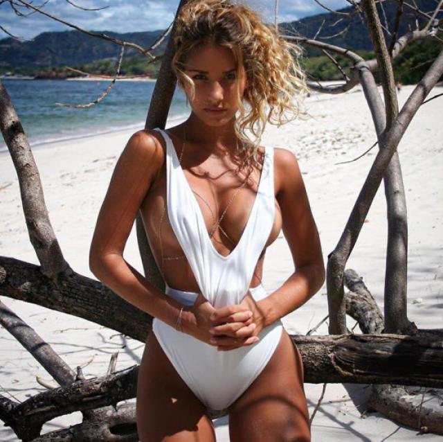 white one piece swimwuit #swimwear #dressforidol #tumblr #instagram #summer #gotolook #swimsuit