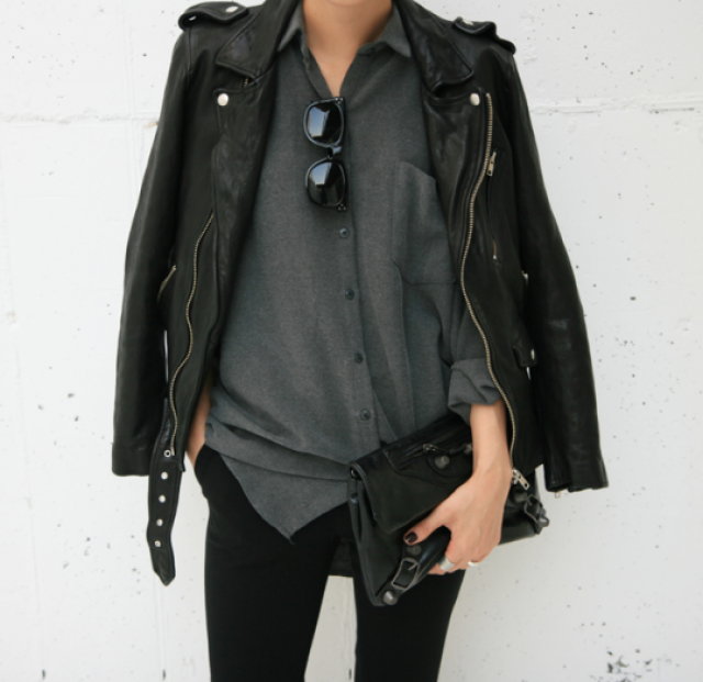 Beautiful black jacket! do you like it? let me know in the