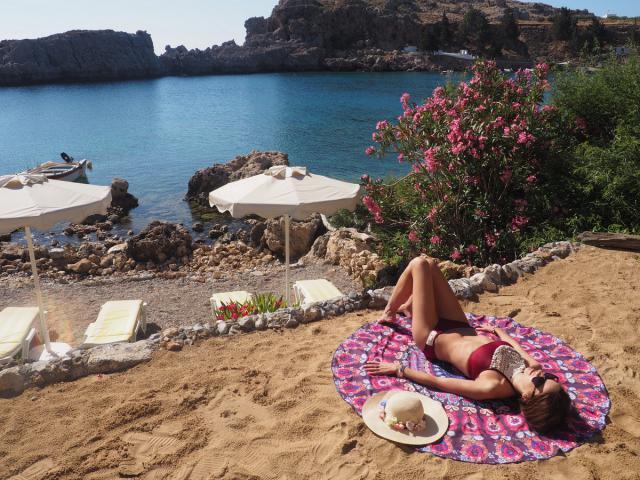 Beach wear from Zaful www.travelera.es #junepurple #beachwear #bikinis #summer2017