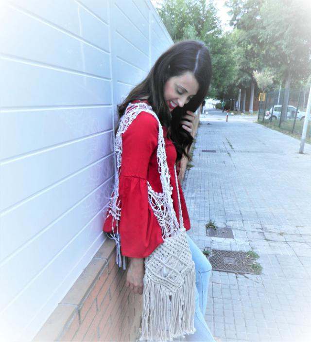 Flare sleeve t-shirt. This t-shirt is perfect for create a bohemian looks.What do you think? You can see me complete p…