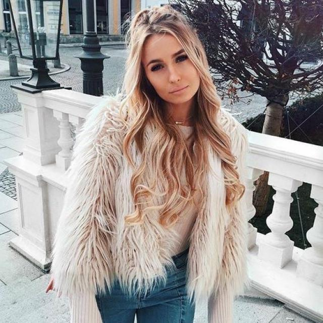 Beautiful Fluffy Faux Fur Coat! do you like it? let me know in the comments!❤️❤️❤️❤️❤️❤️❤️❤️❤️                     …