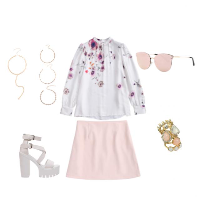 Feminine light outfit